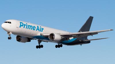 A picture of N1013A - Boeing 76736N(ER)(BCF) - Atlas Air - © spotter_lek