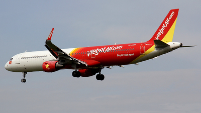 A picture of VNA683 - Airbus A321211 - VietJet Air - © Ha Tai Nguyen