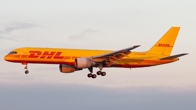 HP-2010DAE - Boeing 757-27A(PCF) - DHL Aero Expresso
