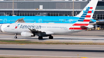 A picture of N652AW - Airbus A320232 - American Airlines - © Steve Rinde