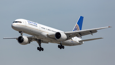 N545UA - Boeing 757-222 - United Airlines