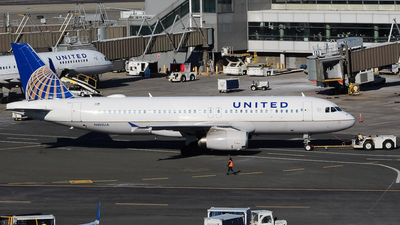 N485UA - Airbus A320-232 - United Airlines