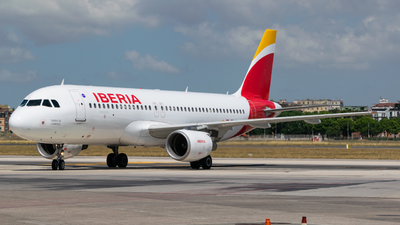 A picture of ECILS - Airbus A320214 - Iberia - © Marco Macca