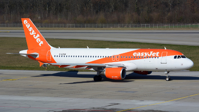 A picture of GEZUR - Airbus A320214 - easyJet - © Jeremy Denton