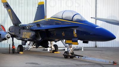 161943 - McDonnell Douglas F/A-18B Hornet - United States - US Navy (USN)