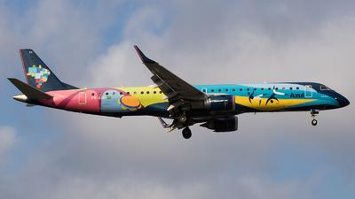 A picture of PRAXH - Embraer E195AR - Azul Linhas Aereas - © Renato Oliveira