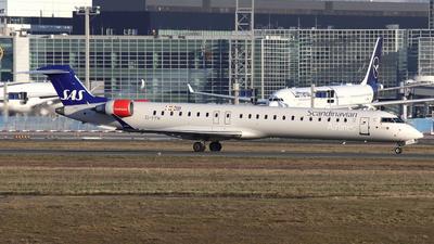 A picture of EIFPW - Mitsubishi CRJ900LR - SAS - © Domi Einert