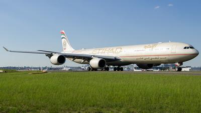 A6-EHI - Airbus A340-642 - Etihad Airways