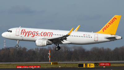 A picture of TCDCC - Airbus A320214 - Pegasus Airlines - © Bjoern Huke
