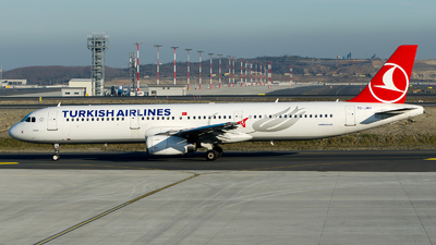 A picture of TCJMH - Airbus A321231 - Turkish Airlines - © Alp AKBOSTANCI