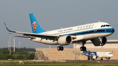 A picture of B301G - Airbus A320251N - China Southern Airlines - © ShenYang Doll
