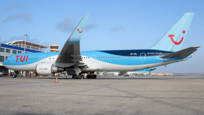 A picture of OOJNL - Boeing 767304(ER) - TUI fly - © Roger Cannegieter