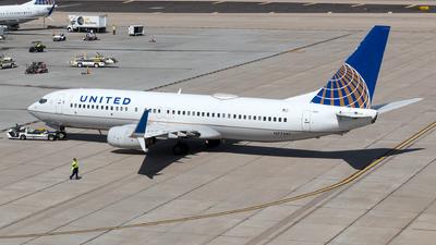 N77261 - Boeing 737-824 - United Airlines