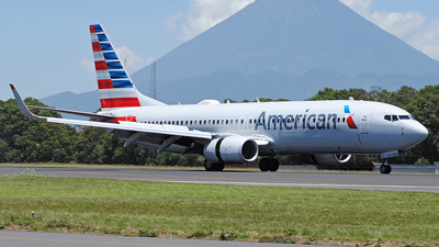 A picture of N317PG - Boeing 737823 - American Airlines - © Brian Boche