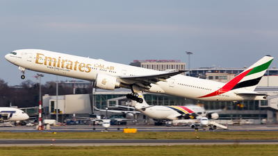 A picture of A6ECZ - Boeing 77731H(ER) - Emirates - © Grzesiek Krupa