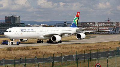 ZS-SNE - Airbus A340-642 - South African Airways