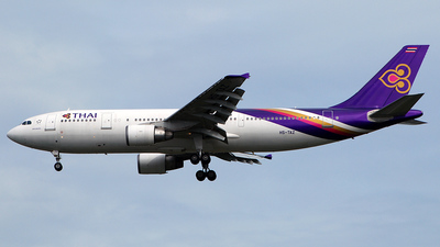 HS-TAZ - Airbus A300B4-622R - Thai Airways International