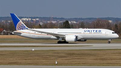 A picture of N17963 - Boeing 7879 Dreamliner - United Airlines - © Hugo Schwarzer