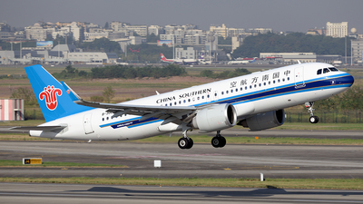 B-30EZ - Airbus A320-251N - China Southern Airlines