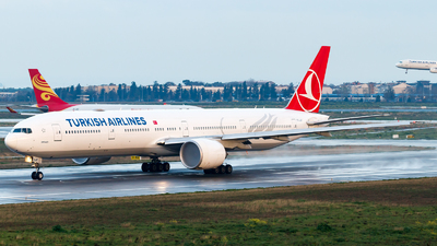 TC-LJF - Boeing 777-3F2ER - Turkish Airlines