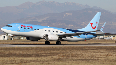 G-FDZE - Boeing 737-8K5 - Thomson Airways