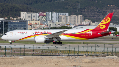 A picture of B1345 - Boeing 7879 Dreamliner - Hainan Airlines - © Eric Wang
