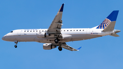 A picture of N117SY - Embraer E175LR - United Airlines - © Ricky Teteris