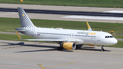 A picture of ECLVO - Airbus A320214 - Vueling - © Christoph Plank