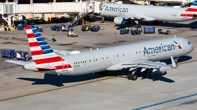 N137AA - Airbus A321-231 - American Airlines