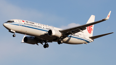 B-5582 - Boeing 737-89L - Air China