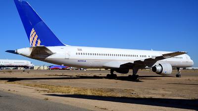 A picture of N528UA - Boeing 757222 - [25018] - © Agustin Anaya