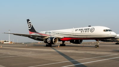 A picture of B2828 - Boeing 75725C(PCF) - SF Airlines - © Mr.Huang