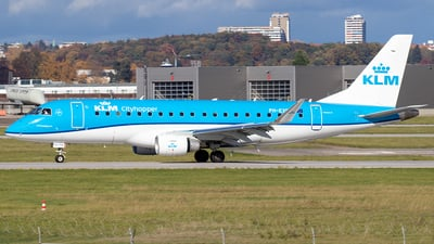 A picture of PHEXS - Embraer E175STD - KLM - © Niklas Engel