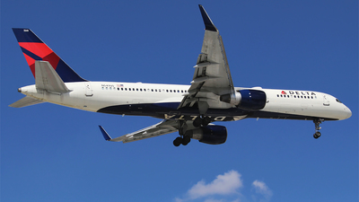 A picture of N549US - Boeing 757251 - Delta Air Lines - © Alejandro Aceves