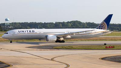 A picture of N12003 - Boeing 78710 Dreamliner - United Airlines - © JinZi