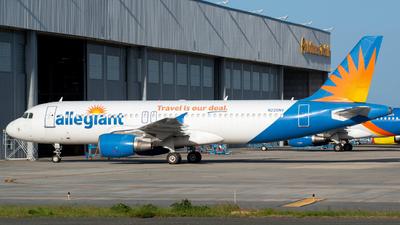 A picture of N220NV - Airbus A320214 - Allegiant Air - © Carlos Nieves
