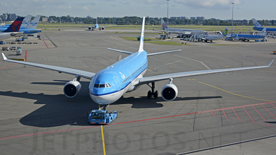 PH-AKB - Airbus A330-303 - KLM Royal Dutch Airlines
