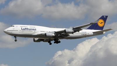 D-ABVU - Boeing 747-430 - Lufthansa