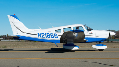 A picture of N21866 - Piper PA28181 - [287990063] - © Taylor Kim