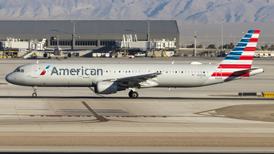 A picture of N195UW - Airbus A321211 - American Airlines - © David Lee