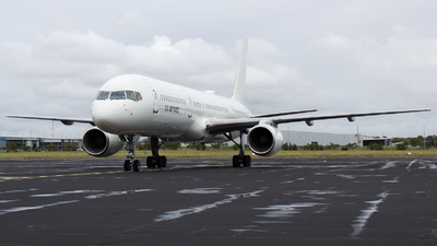 99-6143 - Boeing C-32B - United States - US Air Force (USAF)