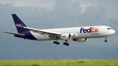 A picture of N109FE - Boeing 7673S2F(ER) - FedEx - © Olivier Landes