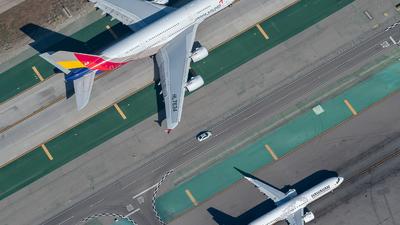 KLAX - Airport - Runway
