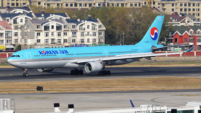 HL8003 - Airbus A330-323 - Korean Air