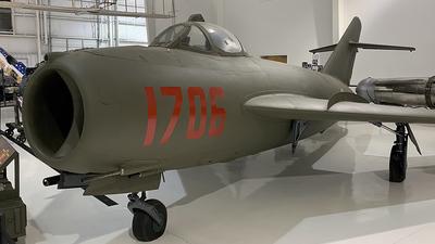 1706 - WSK-Mielec Lim-5 - Vietnam - Air Force