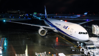JA753A - Boeing 777-381 - All Nippon Airways (ANA)