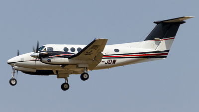 AP-JDW - Beechcraft 200 Super King Air - Private