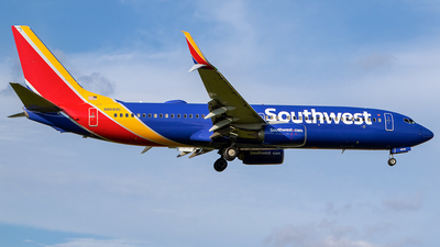 N8689C - Boeing 737-8H4 - Southwest Airlines