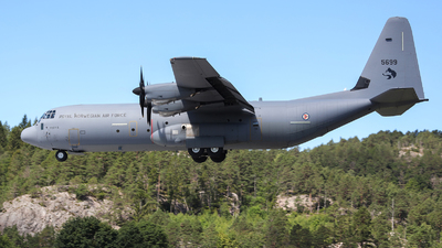 5699 - Lockheed Martin C-130J-30 Hercules - Norway - Air Force