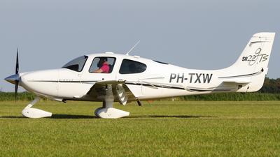 PH-TXW - Cirrus SR22-GTS - Private